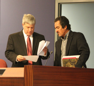 School Board attorney Art Hardy (left) and board Chair Frank Kovach confer on Oct. 20. Rachel Hackney photo