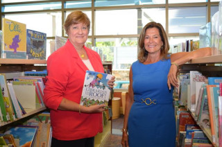 Library Foundation for Sarasota County President Linda Getzen (left) and Fundraising Chairwoman Claudia Cardillo. Contributed photo