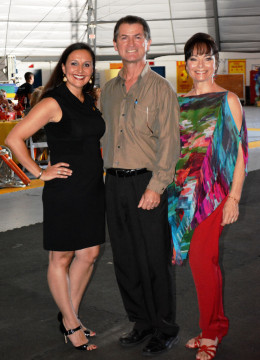(From left) Jennifer Mitchell, Pedro Reis and Dolly Jacobs-Reis. File photo