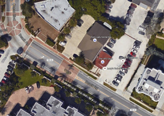 A shell lot is adjacent to The UPS Store on Beach Road. Image from Google Maps