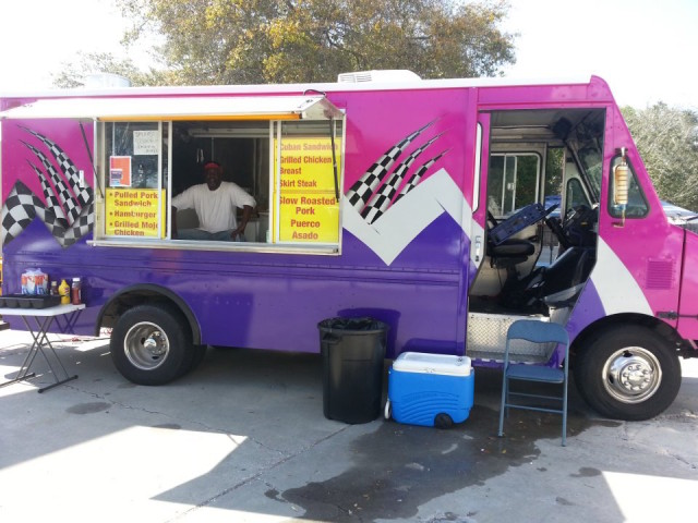 A food truck offers a variety of dining options. Image from the SRQ Food Truck Alliance website