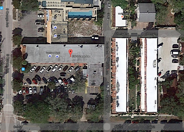 An aerial map shows a closeup of the Woman's Exchange, including the oaks bordering Oak Street. Image from Google Maps