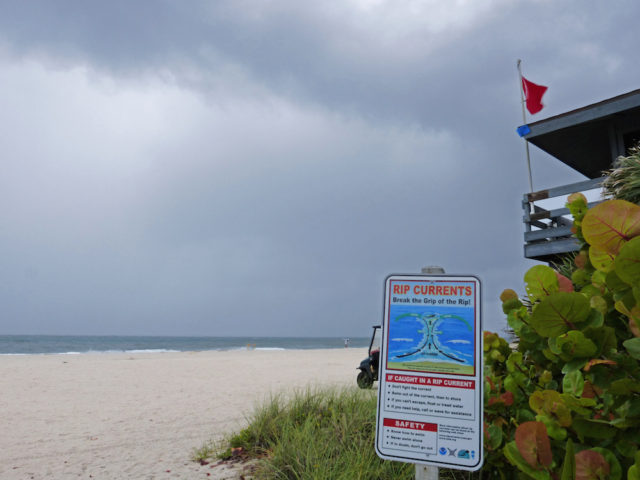 A sign at Nokomis Beach warns of rip currents. Photo courtesy of Fran Palmeri