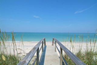 Visitors to county beaches are being asked to dispose of their trash appropriately. Image courtesy Sarasota County