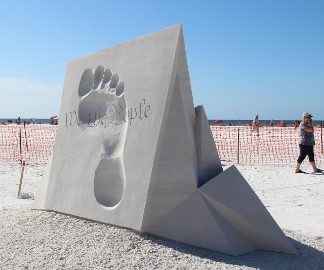 Jan Zelinka and Rodovan Zivny created this sculpture. Rachel Hackney photo