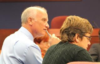 Scott Lempe and Kathie Ebaugh participate in the discussion. Rachel Hackney photo