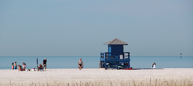 Visitors were arriving slowly at Siesta Beach the last few days, given the cooler mornings. Rachel Hackney photo
